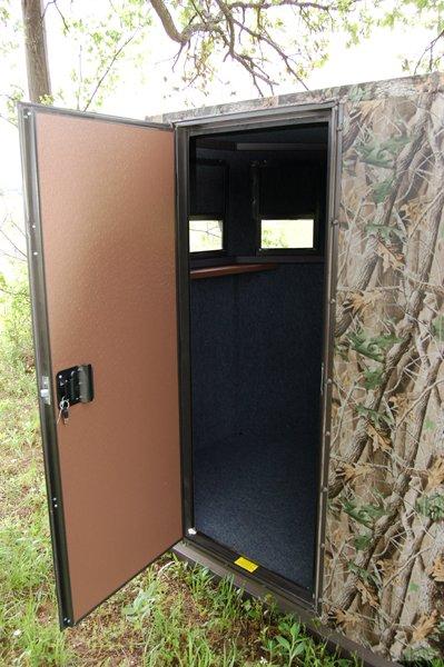 scout deer blind door