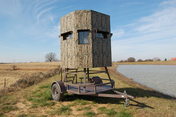 Trailer Deer Blinds - Elevated Trailer Deer Blind
